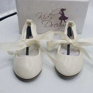 Kids Dream Ballerina flats ivory girls sz9